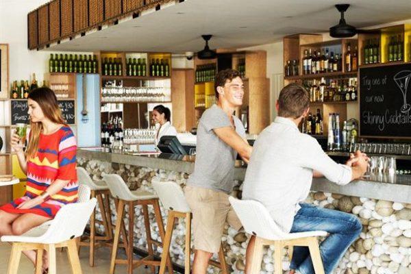 estilo bar port douglas